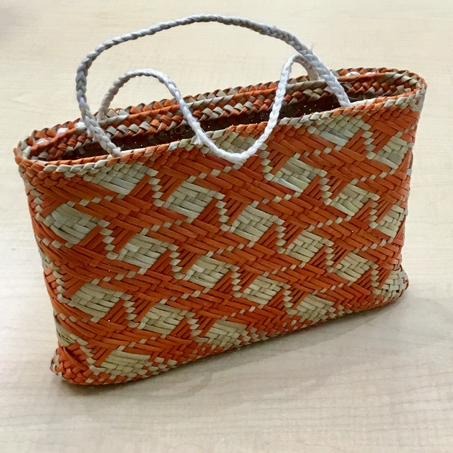 Kete Whakairo - orange/natural