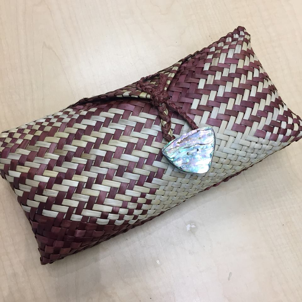 Kete clutch, maroon/brown